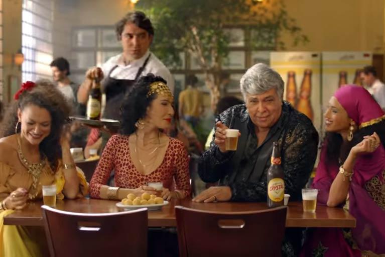 Crystal promove encontro de Sidney Magal e suas ciganas