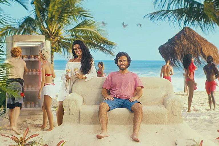 Campanha da Itaipava revela que o verão vive dentro das pessoas